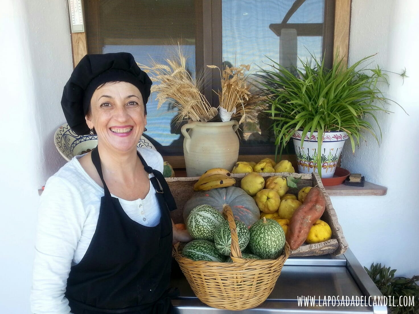 pepa_verduras_huerto_posada_candil